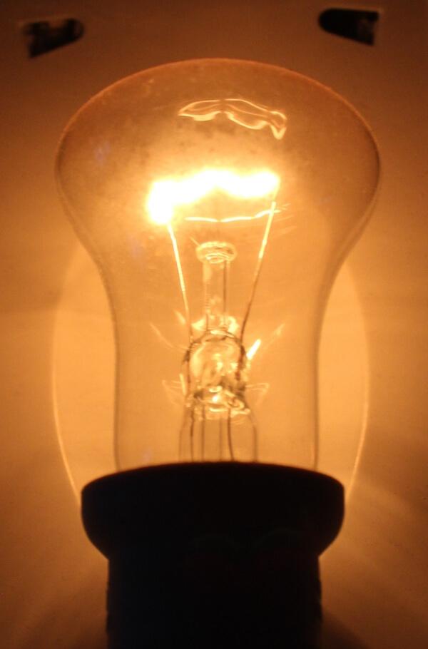 Моргает свет при работе стабилизатора