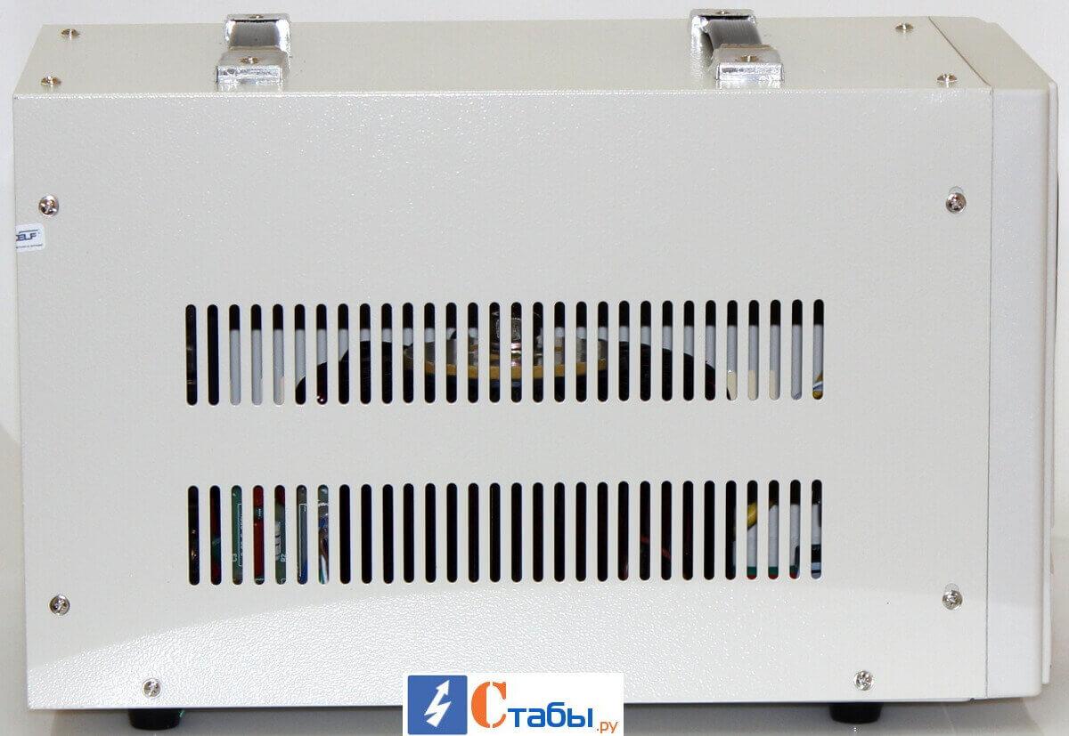 Стабилизатор напряжения RUCELF СтАР-10000 вид сбоку